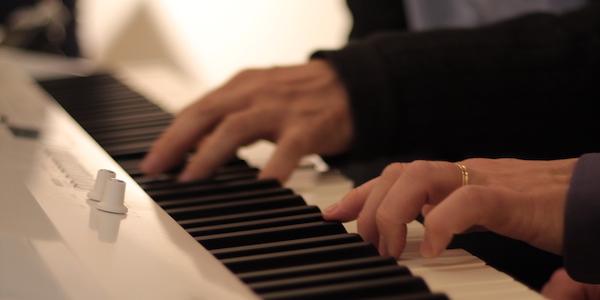 Helsingin Pianostudio tarjoaa pianotunteja aikuisille aloittelijoista intohimoisiin harrastajiin ja ammattilaisiin.
